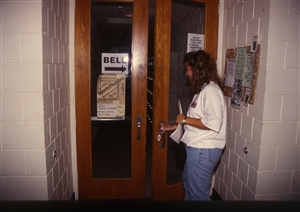 1987 WRSU Orientation Slide Show<br/>WRSU Front Door and Hand Written Signs<br>Slide #2-2