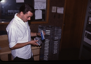 1987 WRSU Orientation Slide Show<br/>Picking a cart for a break<br>Slide #19