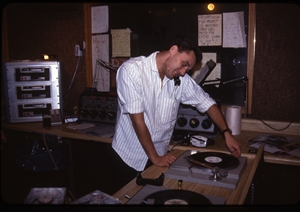 1987 WRSU Orientation Slide Show<br/>Multitasking in FM<br>Slide #33