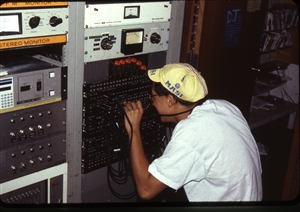 1987 WRSU Orientation Slide Show<br/>Setting up the Patch Bay<br>Ed Wong<br>Slide #34_3
